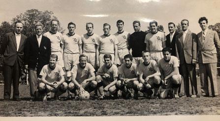 YB Kader Mannschaft 1959 Widmer, Sing, Steffen, Bäriswyl, Rey, Wechselberger, Schneiter, Eich, Meier, Häuptli, Sigrist, Perdrizat, Allemann, Bigler, Flückiger, Spicher, Schnyder, Zahnd