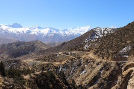 Straße in Upper Mustang zum Pass