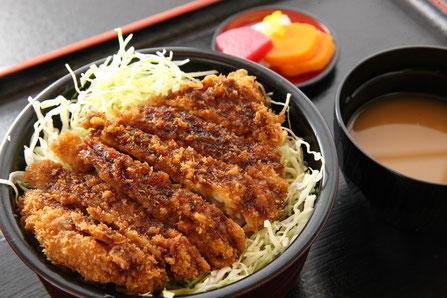 ソースかつ丼 836円