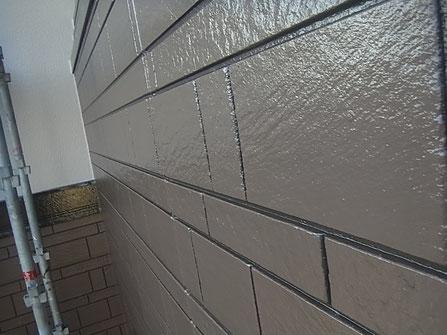 サイディングの柄を2色使用し、ブラウンカラーでおしゃれに塗装しました。熊本市K様家。