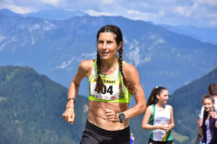 Karin Freitag - nicht nur Marathonstaatsmeisterin, sondern auch im Berglauf Spitzenklasse (Foto vom Kraftalm-Berglauf, zVg)