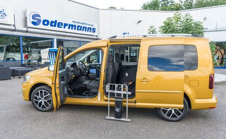 behindertengerechter VW CADDY 2 Rollstuhlverladesysteme, Handgerät, MFD, Space Drive, leichte Lenkung Sodermanns
