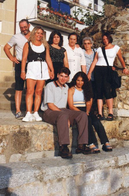Familia y amigos en Candelario. F. P. Privada.
