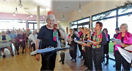 Chant dans l'EHPAD deSt-Sauveur-d'Aunis