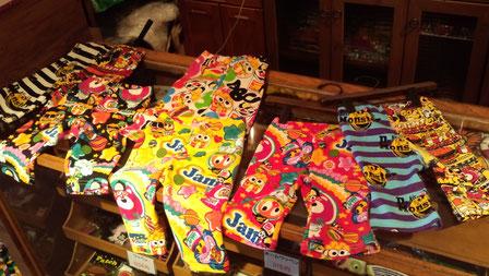 JAMのスパッツよ!こんなかわいいのに全部1995円よ!右の2つはフレアなスパッツよ!