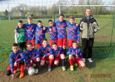 L'équipe U13 face à Gamaches et leur entraîneur Régis Gamard