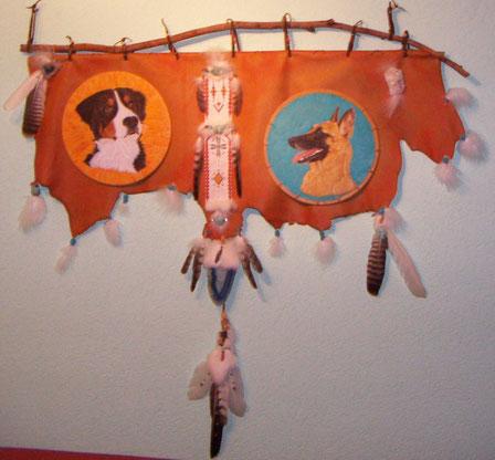 Berner Sennenhund und Belgischer Schäferhund Protrait auf Leder mit 4.625 Perlen....