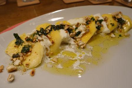 Mango mit Büffelmozzarella - Pi mal Butter Mädchenvöllerei