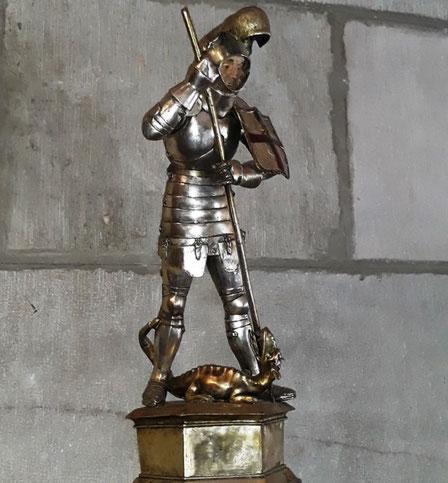 Статуя Святого Георгия во двоце Женералитата