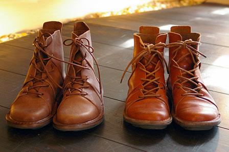 (左)新品!在庫あります (右)私の履きならした靴 ※別色