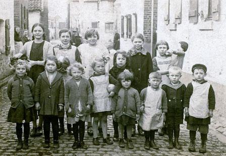 Weingartengasse 1928
