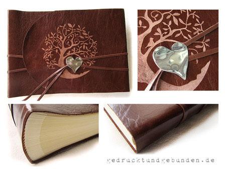 Lederalbum Softcover 35cm x 25cm, 100 Seiten elfenbeinfarben, Leder glatt dunkelcognacfarben, Ledergravur Baum, Buchverschluss mit Herzanhänger.