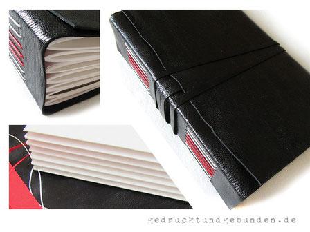 A5 Lederbuch, Softcover mit Überschlag gerade geschnitten, 7 Lagen a 10 Blatt = 140 Seiten, Büttenkarton 300g hellweiß, Langstichheftung rot-weiß, Leder glatt schwarz, umlaufender Buchverschluss Leder schwarz