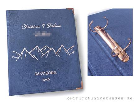 Individuell angefertigter und personalisierter Leder Ordner metallic blau, Ordnerrücken 15cm breit, Flachrelief tiefliegend Firmenschriftzug Buchstabenhöhe 33mm, Aussehen ähnlich einer Blindprägung