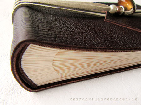 Handgefertigter Foto-Gästebuch-Buchblock cremefarben 30 Blatt/60 Seiten ohne Pergaminzwischenlagen im Softcover Ledereinband
