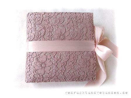Schwangerschaftstagebuch Hardcovereinband gepolstert Stoff Baumwollspitze floral altrosa, umlaufender Schleifenverschluss rosa
