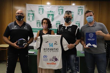 La concejal de Deportes reafirma su apoyo al club  / Foto: Total Handbol