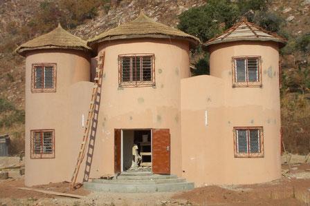 Inauguration de La Maison Pendjari le 14 décembre 2013 - à l'entrée de la ville de Tanguiéta