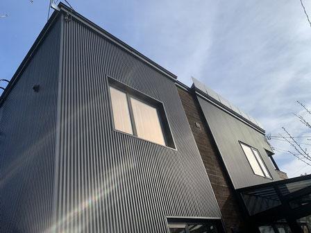 ガルバリウム鋼板外壁