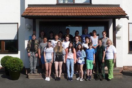 Die achte Klasse bei der Firma Welzenbach in Rieneck
