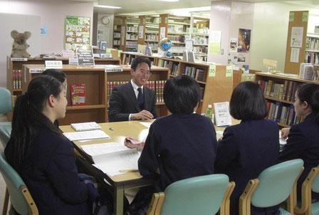 富士見高校でのオーサービジットの様子