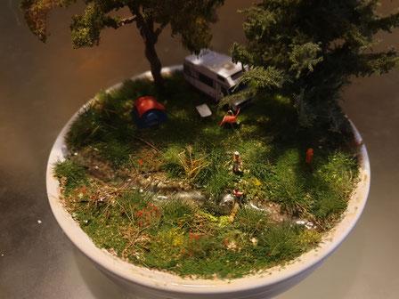 Diorama Camping im Creme brulee Spur N (1:160) - bei Interesse auf Bild klicken