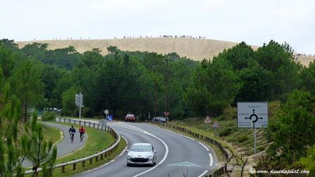 Ankunft am Kreisverkehr vor der Düne