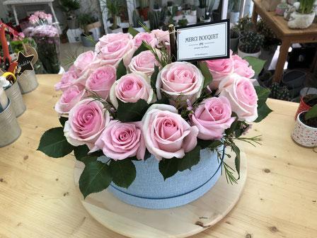 Sombrerera 25 rosas
