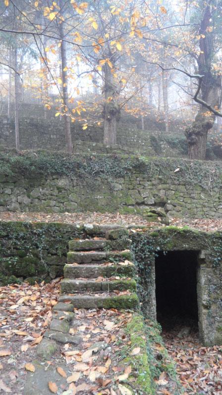 Ouvrages en pierre sèche de Veyras - - escaliers, ayguiers, béalières externes et internes