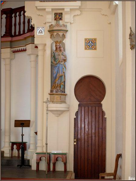 Chapelle Algérienne, côté droit de l'autel avec statue Vierge à l'Enfant,  Village de L'Herbe, Bassin d'Arcachon (33)