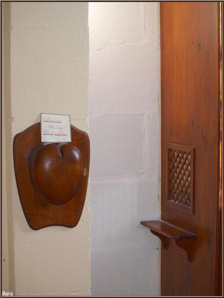 Chapelle Algérienne, le tronc et le confessionnal, Village de L'Herbe, Bassin d'Arcachon (33)
