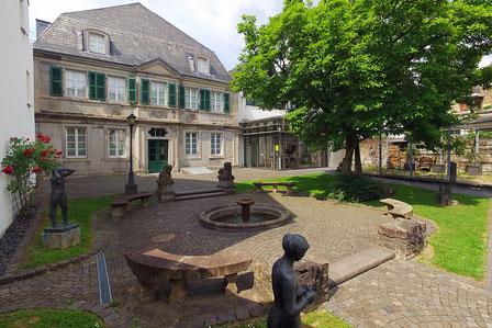 Das Siebengebirgsmuseum liegt in Königswinter und bietet spannende Ausstellungen und interessante Informationen.