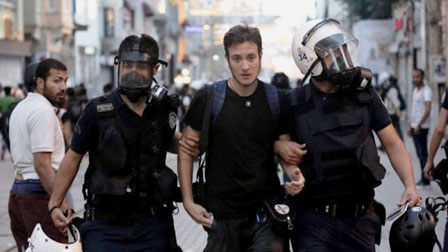 Anholdt pressefotograf i Istanbul