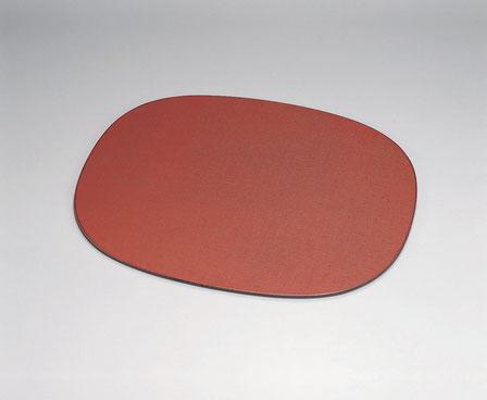 根来の研ぎ出し模様は定評があります 布張りは小傷が目立たなく敷板として最適です