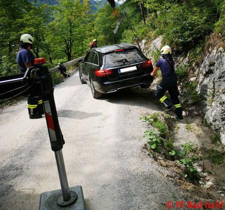 Feuerwehr, Blaulicht, FF Bad Ischl, Fahrzeugbergung, Rettenbachalmstraße