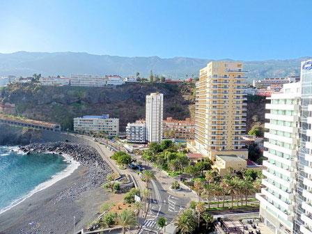 Aussicht von der Penthauswohnung über den Martinez-Stand in Puerto de la Cruz.