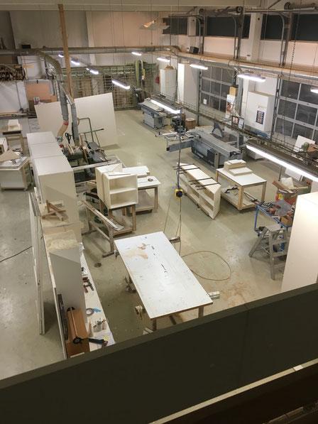Die Werkstatt gesehen von der Bürogalerie