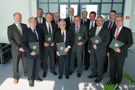 Zweiter von links: Hanspeter Klein, Vorsitzender des VFB NW, siebter von links: Garrelt Duin, NRW-Wirtschaftsminister, Bild: (MWEIMH NRW/Hojabr Riahi)