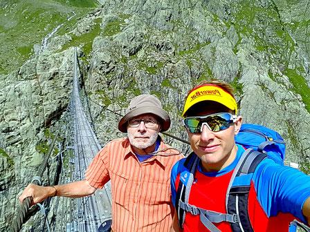 Unterwegs in den Bergen (Triftbrücke) zusammen mit meinem Vater