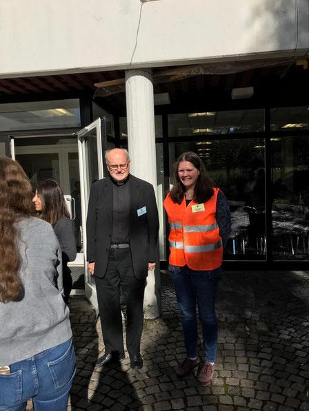 Sophie mit Kardinal Anders Arborelius