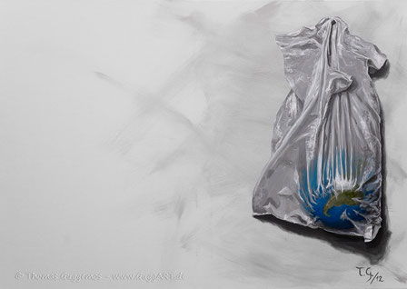 Sonderangebot, realistische Acrylmalerei von Thomas Guggemos, Erde in Plastiktüte