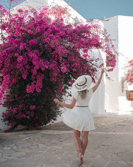 Zu sehen ist eine mögliche Fotoidee für Santorini Vibes.
