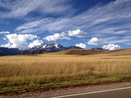Typische Landschaft zwischen Puno und Cusco.