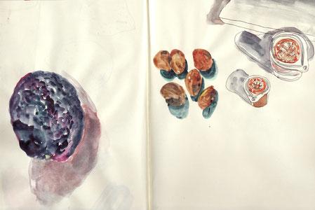 ある日アボカドとびわの種を描いて別の日、シロップとミルクを描く