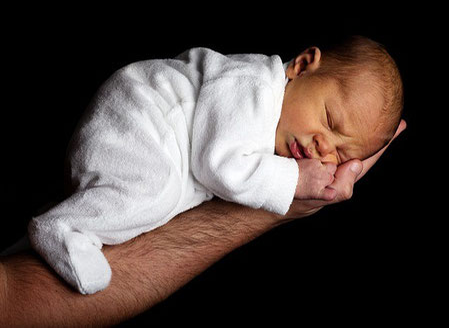 Säugling, verletzlicher Lebensanfang, mit Körperpsychotherapie dem nachspüren