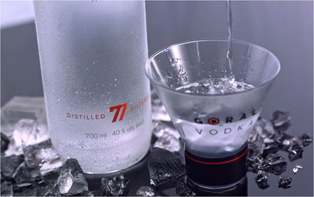 Goral Vodka Premium Vodka pur on the rocks