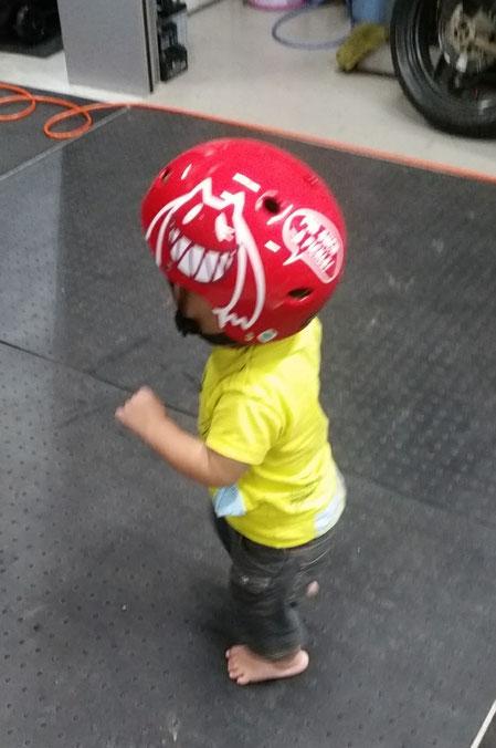 キッズ自転車ヘルメット 赤