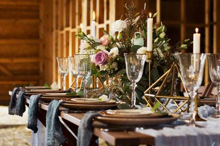 Rustikal eleganter Hochzeitstisch