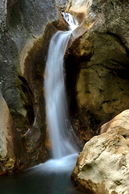 Aufgabe 3: Wasserfall freigestellt