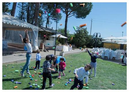 intrattenimento bambini con il tiro alla fune